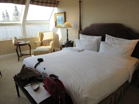 bedroom-460762__340